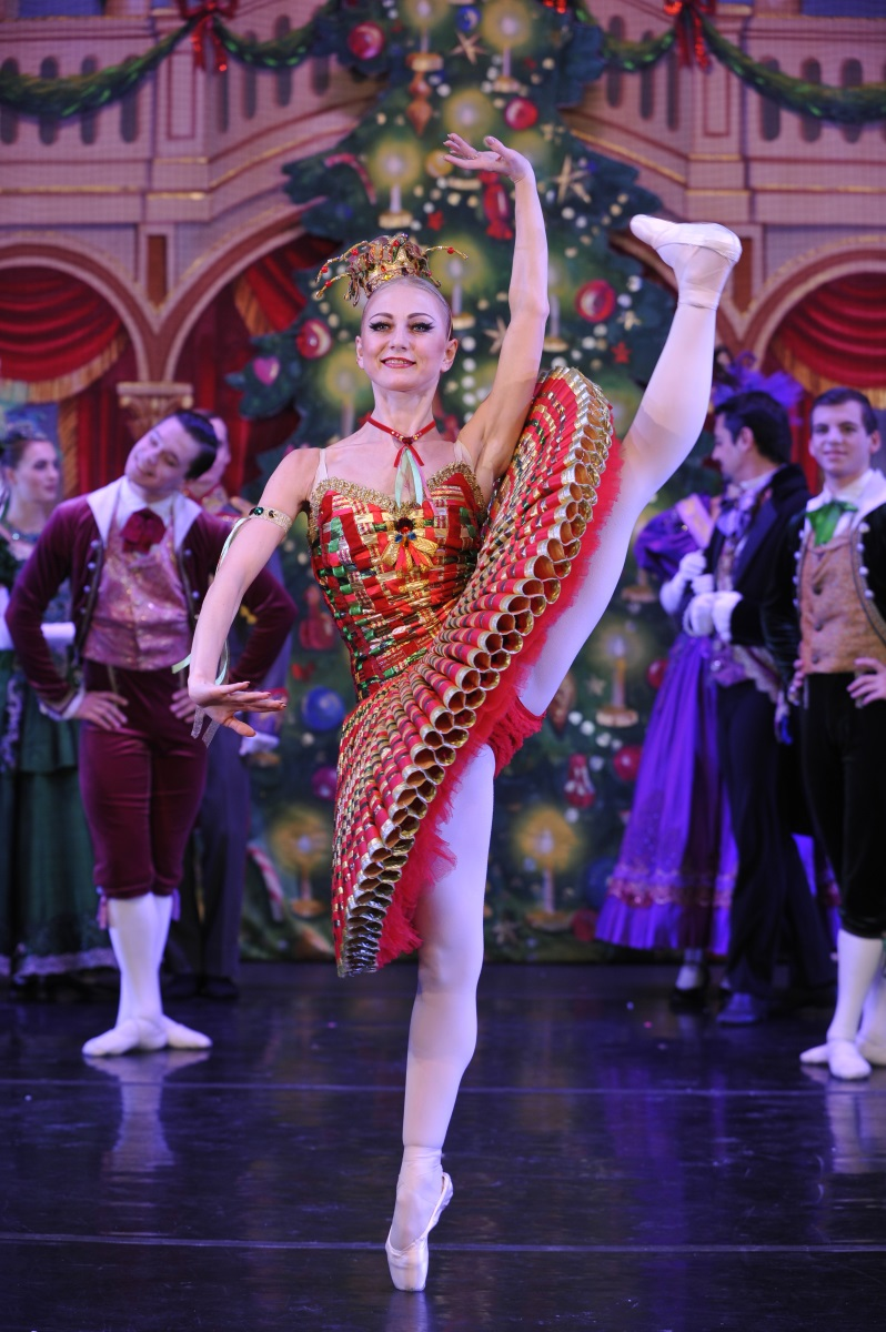 Moscow Ballet's Great Russian Nutcracker Kissy Doll
