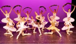 Students during a recital with Columbus City Ballet