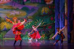 Two student dancers on stage during the Russian Variation