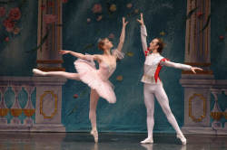 2005 Tatiana Predenia and Felgmatov in Grand Pas de Deux